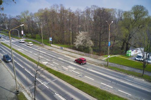 Ujęcie z drona ulicy Warszawskiej i mostu na potoku Starobielskim